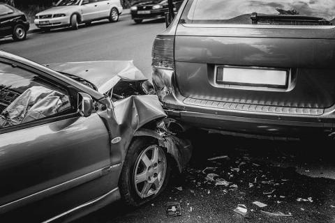 When should I call the police? When should I accept medical attention? Get to know these steps immediately following a car accident.